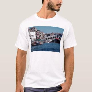 Gondola on the Grand Canal, Rialto Bridge, Venice, T-Shirt