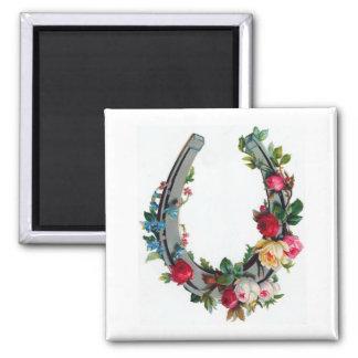 Good Luck Horseshoe Flower Garland Magnet
