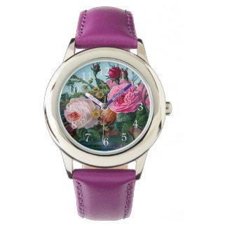 Gorgeous and Elegant Vintage Roses Print Wristwatch
