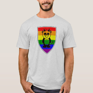 Gorgeous Gay panda Bear on rainbow flag T-Shirt