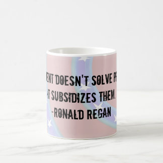 Government doesn't solve problems Mug