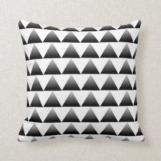 Gradient Triangles Pattern Throw Pillow