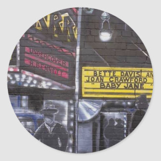 Graffiti 10 classic round sticker