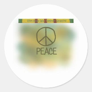 Graffiti de casque de guerre de Vietnam Sticker Rond