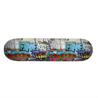 Graffiti Plateaux De Planche À Roulettes