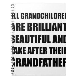 Grand-père brillant de petits-enfants carnets à spirale