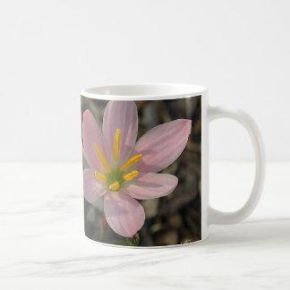 Grande Rain Lilies Coffee Mug