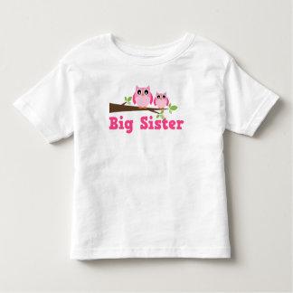 Grande soeur de branche rose mignonne de hibou tee shirts