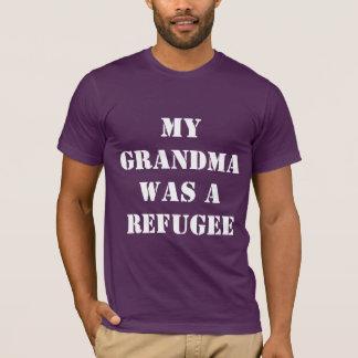 Grandma Refugee - Men T-Shirt