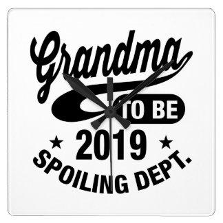 Grandma To Be 2019 Clock