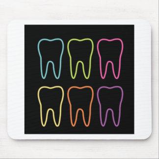 Graphique au néon de dent pour le dentiste tapis de souris