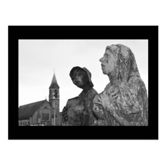 Great Famine of Ireland statues in Dublin Postcard