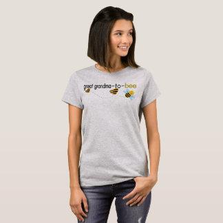 Great Grandma To Bee.. T-Shirt