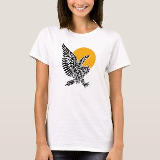 Great horned owl tribal tattoo T-Shirt