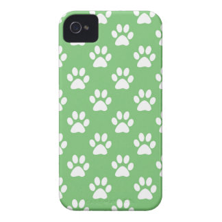 Green and white paws pattern iPhone 4 case