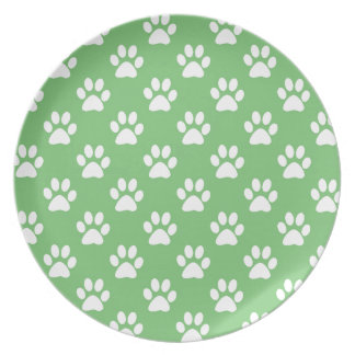Green and white paws pattern plate