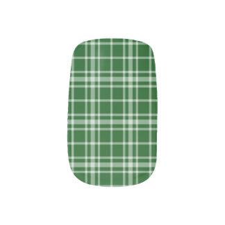 Green-and-White Plaid Nail Art