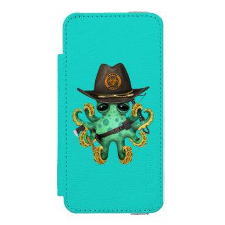 Green Baby Octopus Zombie Hunter Incipio Watson™ iPhone 5 Wallet Case