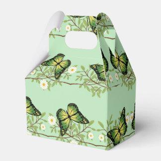 Green butterflies pattern favor box
