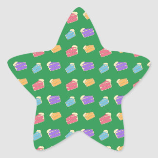 Green cake pattern star sticker
