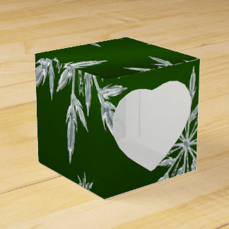 Green Christmas stars with white ice crystal Favor Box