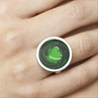 Green heart ring