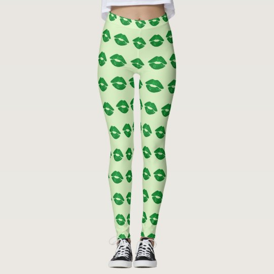 Green Irish Kiss Lipstick Pattern St Paddy's Day Leggings