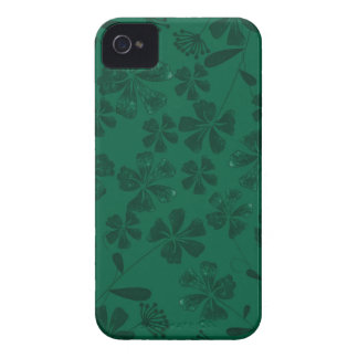 green lflowers iPhone 4 case