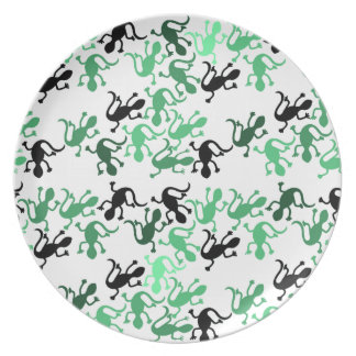 Green lizards pattern plates