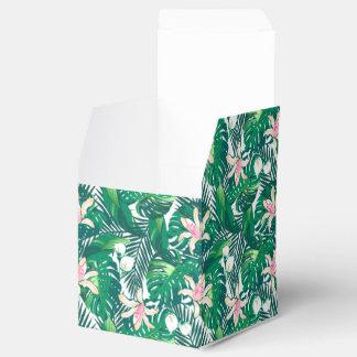 Green lush plants favor box