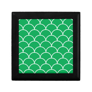 Green scales pattern gift box