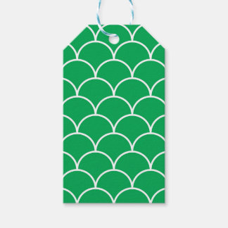 Green scales pattern gift tags