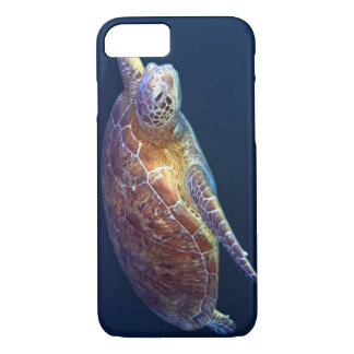 Green Sea Turtle on the Great Barrier Reef iPhone 7 Case