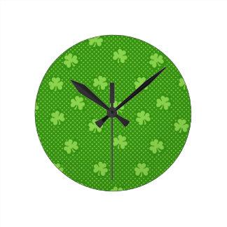 Green Shamrock Clover Pattern Saint Patricks Day Round Clock