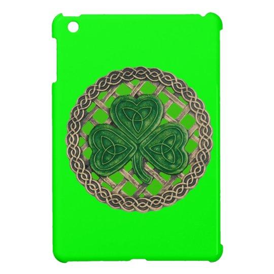 Green Shamrock On Celtic Knots iPad Mini Case