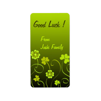 Green shamrocks and clovers