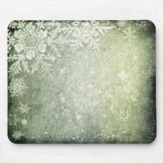 Green Snowflake Grunge Mouse Pad