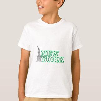 green statue of liberty art T-Shirt