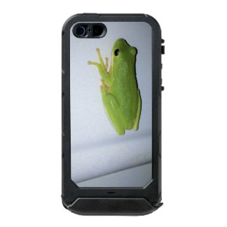 Green Tree Frog Incipio ATLAS ID™ iPhone 5 Case