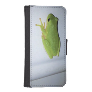Green Tree Frog iPhone SE/5/5s Wallet Case