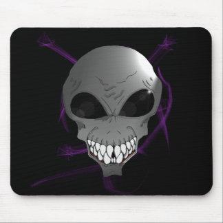 Grey alien Mousepad