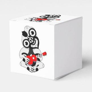 Grey Hei Tiki playing a red ukelele Wedding Favor Boxes