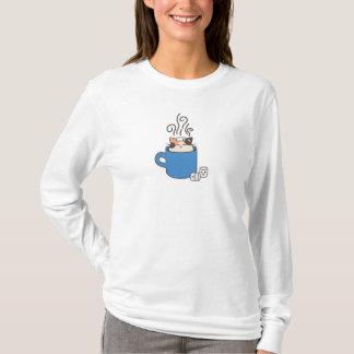 Gros chat dans la tasse t shirts