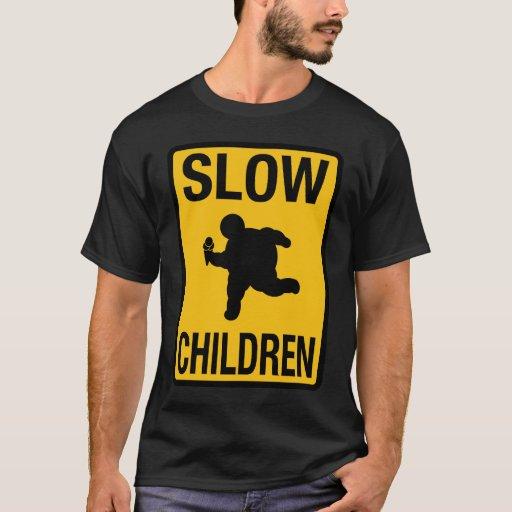 Grosse parodie de plaque de rue d'enfant d'enfants t-shirt