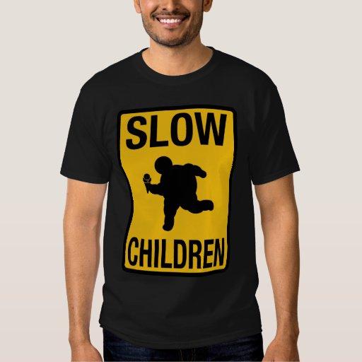 Grosse parodie de plaque de rue d'enfant d'enfants t shirts