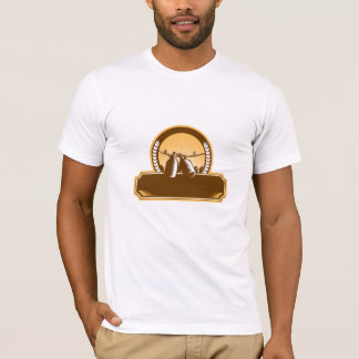 Growler Clothesline Picket Fence Circle Woodcut T-Shirt