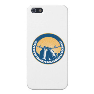 Growler Hanging Clothesline Fence Circle Woodcut iPhone 5 Cover