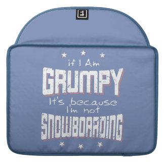 GRUMPY not SNOWBOARDING (wht) Sleeve For MacBook Pro