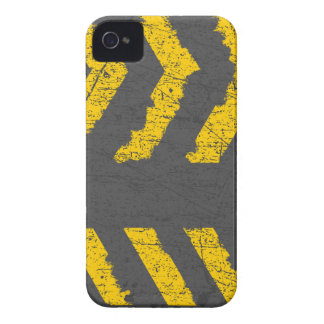 Grunge distressed yellow road marking Case-Mate iPhone 4 case
