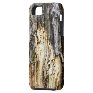 Grunge wooden case for the iPhone 5